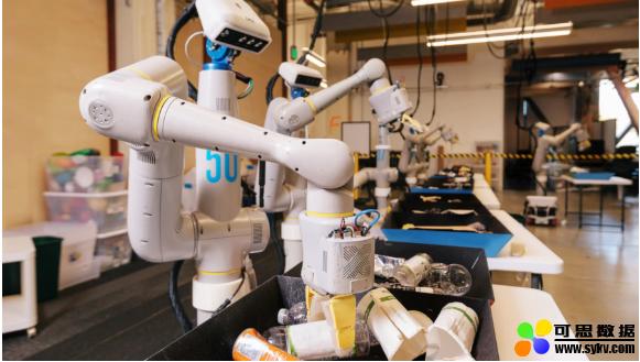 """Alphabet的垃圾分类机器人将办公室垃圾污染降低到""""不到5%"""""""