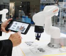 工业机器人正在走向轻量化与智能化