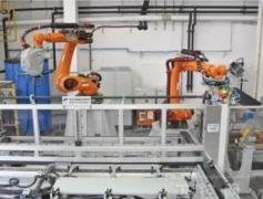 引进抛丸机器人对储罐底板进行除锈,能有效提高