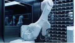 日本松下电器公司推出由机器人配菜的智能餐厅