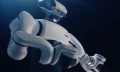 双臂协作机器人的面世,让机器人管家加速向我