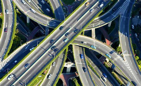 新加坡利用科技手段构建智慧交通体系
