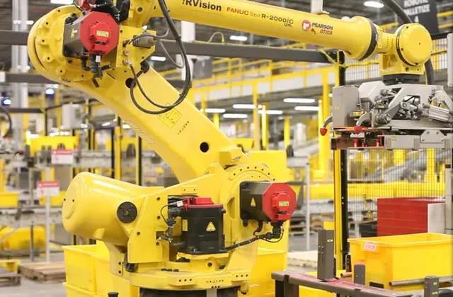 亚马逊全球拥有10万台机器人