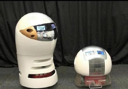 日本开发会自动编段子的相声机器人