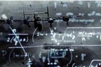 从二战轰炸机的故事,谈一谈大数据智能的三个