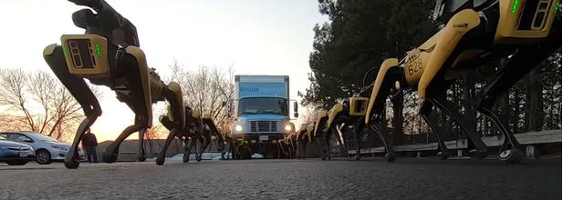 波士顿动力又发视频了!10只SpotMini机械