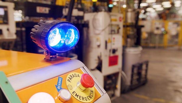 福特自产新型自动驾驶机器人帮助员工