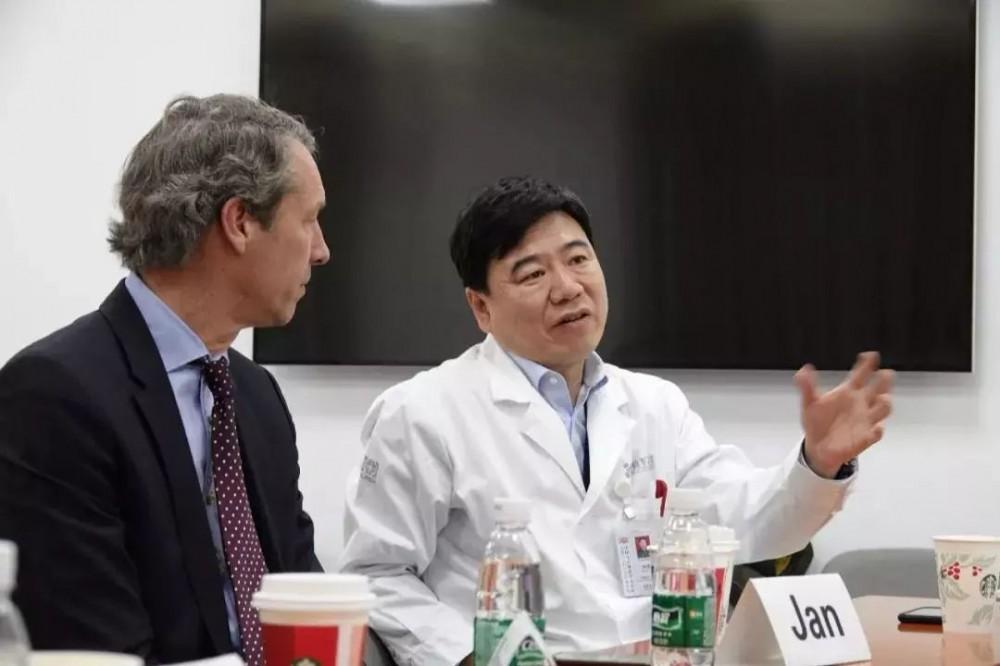 中国医生主刀5G远程手术,实现机器人远