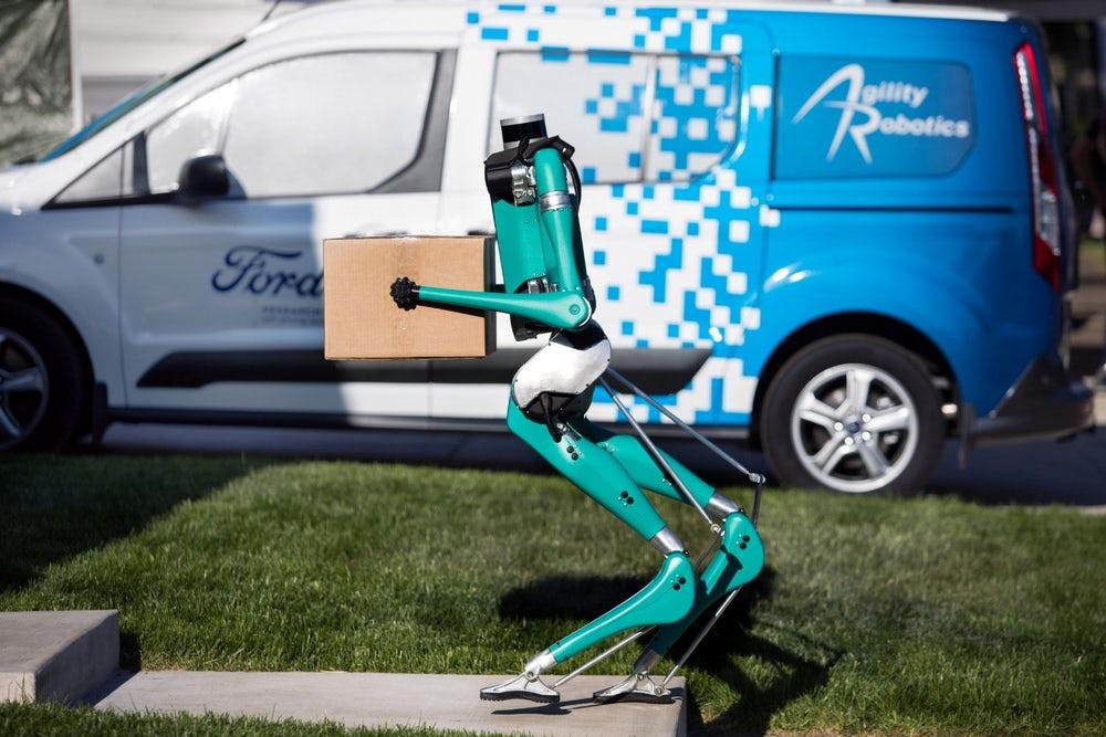 快递小哥饭碗不保?福特无人车+机器人