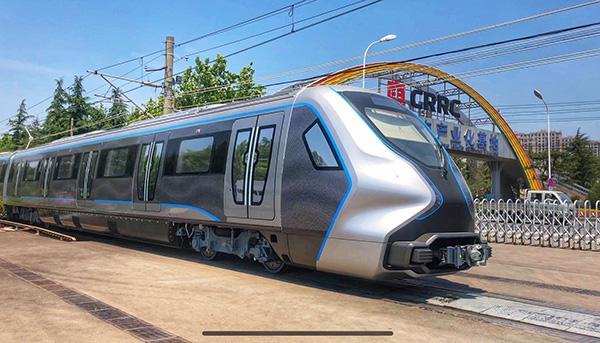 中国下一代碳纤维地铁列车成功试跑:减重13%