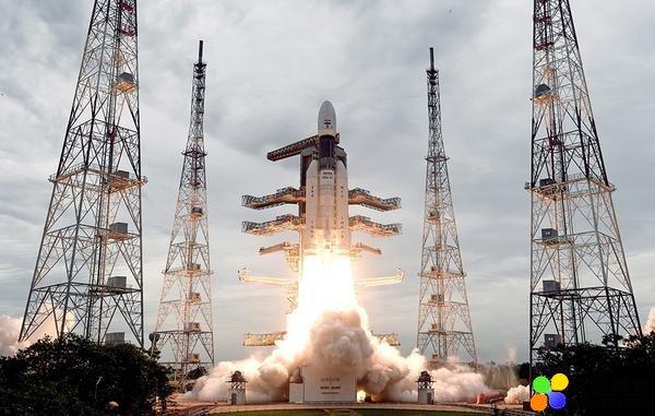 """印度启动""""月船3号""""探测器登月项目,最早今年"""