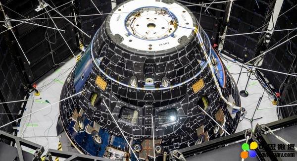 NASA:飞向月球的超重型火箭发动机将安装完毕
