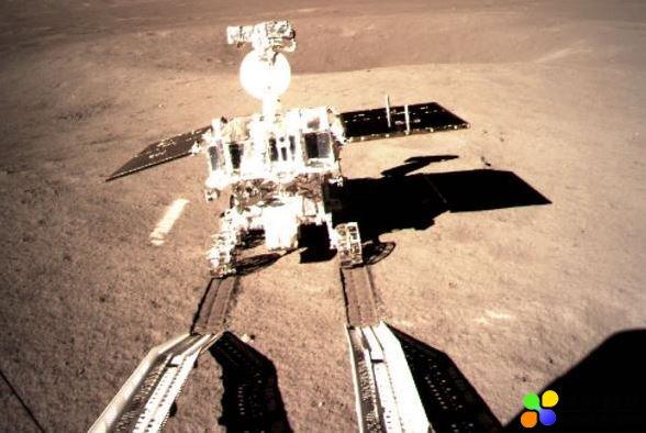 嫦娥四号任务中-荷低频射电探测仪天线展开